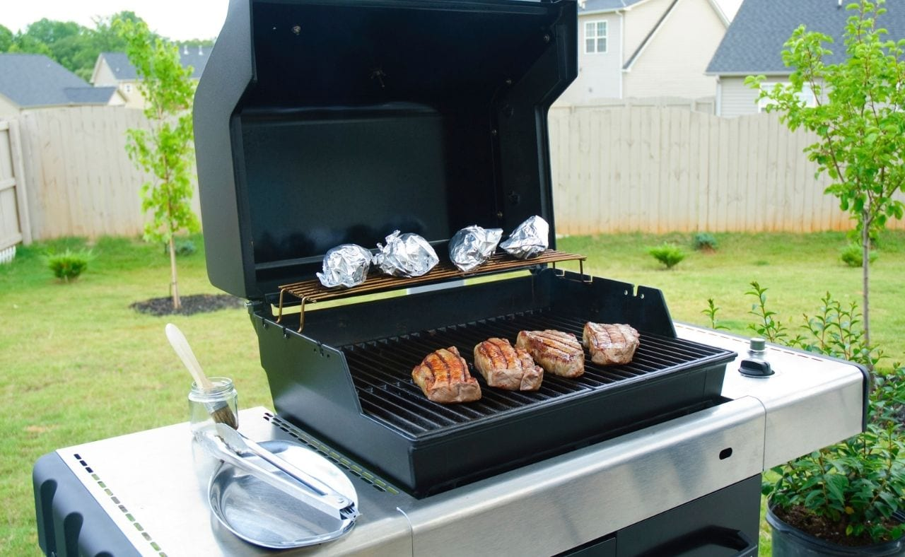 Best Gas grill under 200 featured image