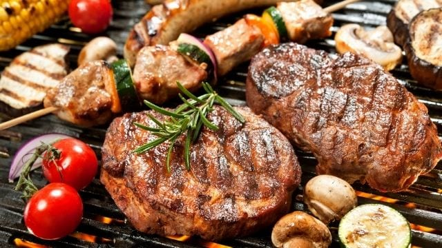 What is the Difference between Broil and Grill-Grilling