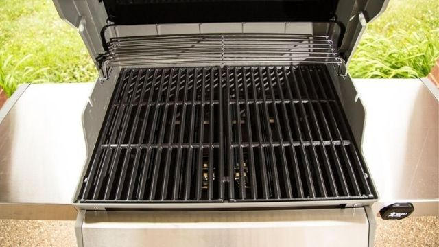 Choose The Best Gas Grill With Cast Iron Grates
