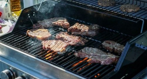 How to Use a Smoker Tube on a Gas Grill - image